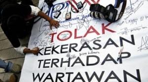Jurnalis di Malang Buat Petisi Kekerasan Terhadap Wartawan - Buntut Penganiayaan Terhadap Ira Rafika Anggraini - Tolak kekerasan terhadap wartawan