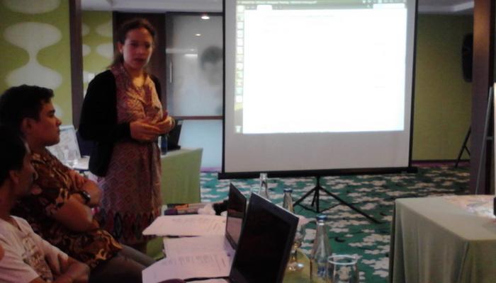 Sabine Torres saat memberi pelatihan di Denpasar, Bali